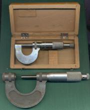 2 Mikrometer.