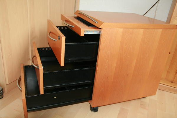 2 rollcontainer buche abschlie bar in aschheim. Black Bedroom Furniture Sets. Home Design Ideas