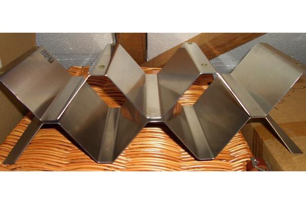 2 weinregale metall in hamburg sonstige. Black Bedroom Furniture Sets. Home Design Ideas