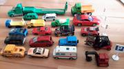 20 Spielzeugautos
