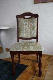 3 geplosterte Stühle