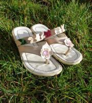 6 Paar Schuhe /