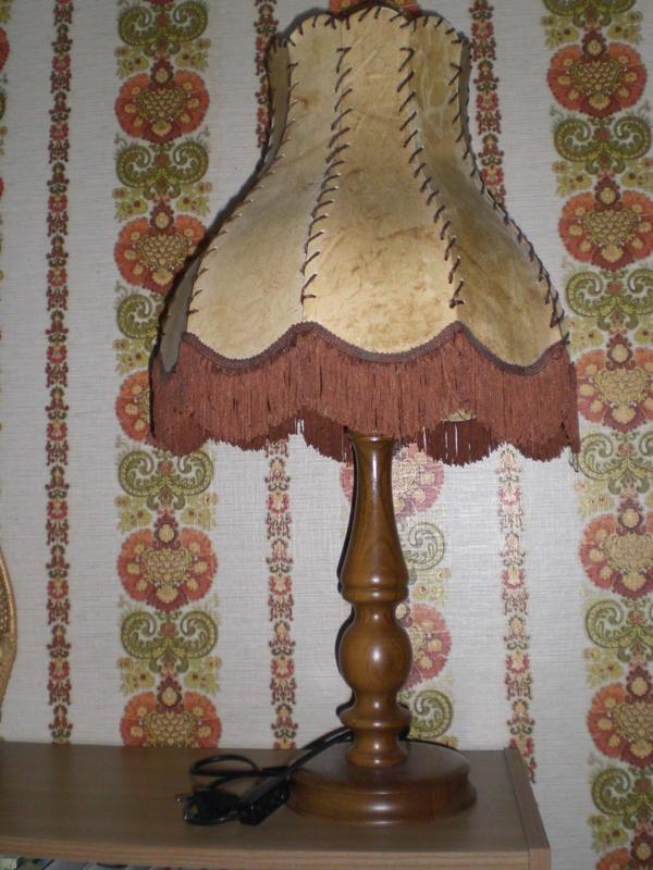 70er jahre tischlampe eiche rustikal 1 flammig in for Lampen 70er style