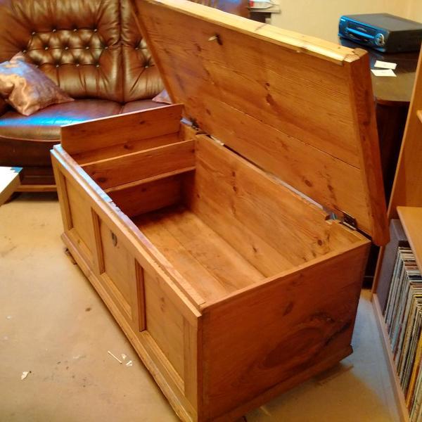 truhe antik neu und gebraucht kaufen bei. Black Bedroom Furniture Sets. Home Design Ideas
