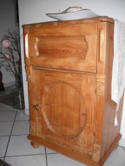 brotschrank antik haushalt m bel gebraucht und neu kaufen. Black Bedroom Furniture Sets. Home Design Ideas