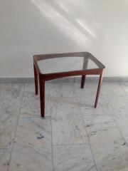 Antiker kleiner Glastisch