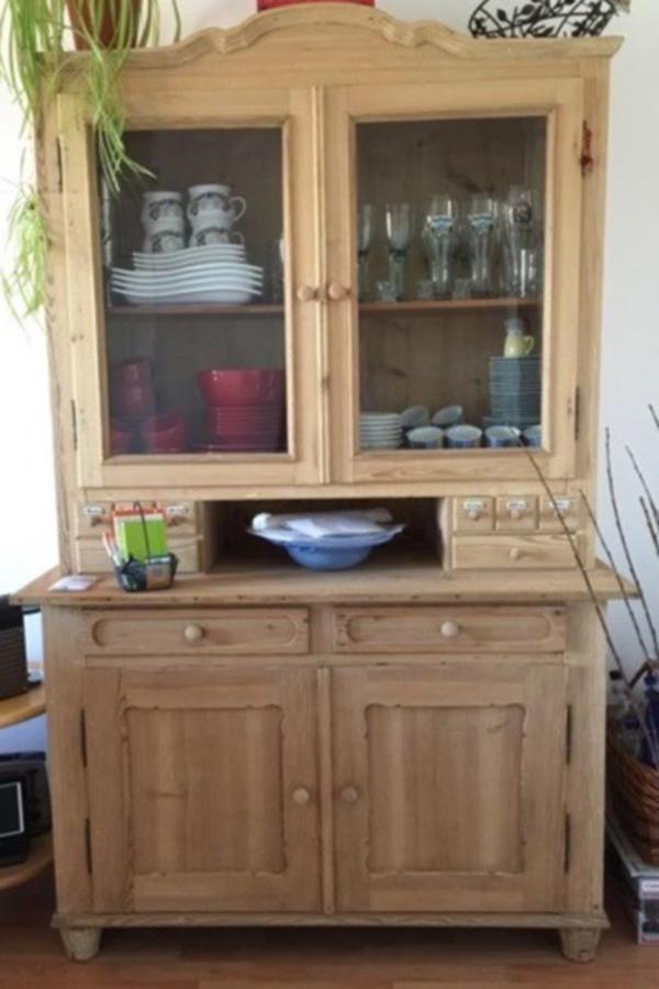 antiker k chenschrank kaufen und verkaufen antike m bel. Black Bedroom Furniture Sets. Home Design Ideas