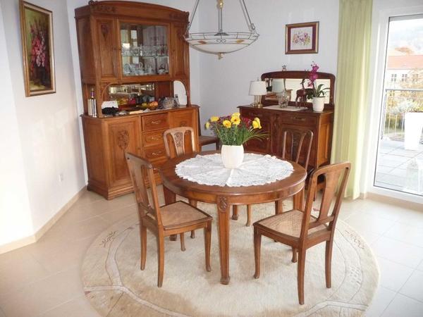 antikes esszimmer jugendstil um 1900 bestehend aus 6 st hle mit korbgeflecht 1 esstisch oval. Black Bedroom Furniture Sets. Home Design Ideas