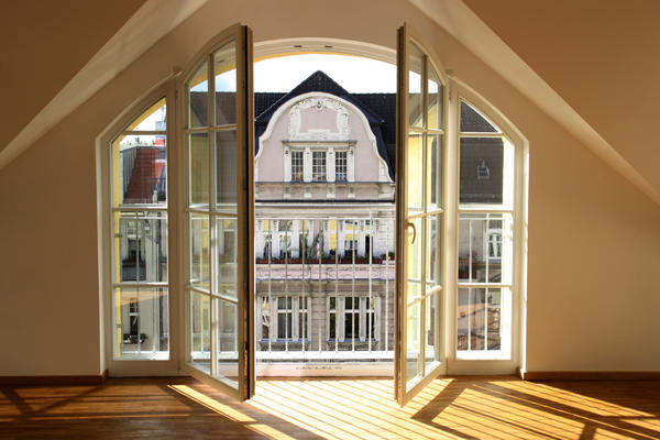 attika 260 quadratmeter freiheit dem berliner himmel nahe charlottenburg vermietung. Black Bedroom Furniture Sets. Home Design Ideas