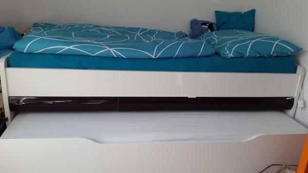 ausziehbett wei mit braunen hochglanzschubladfn in dornbirn betten kaufen und verkaufen ber. Black Bedroom Furniture Sets. Home Design Ideas