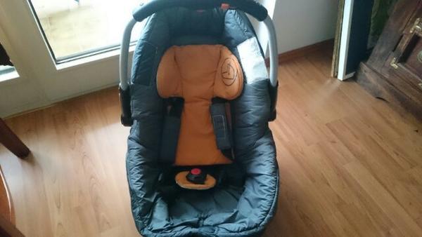 babyschale fahrgestell gebraucht kaufen nur 4 st bis 75. Black Bedroom Furniture Sets. Home Design Ideas