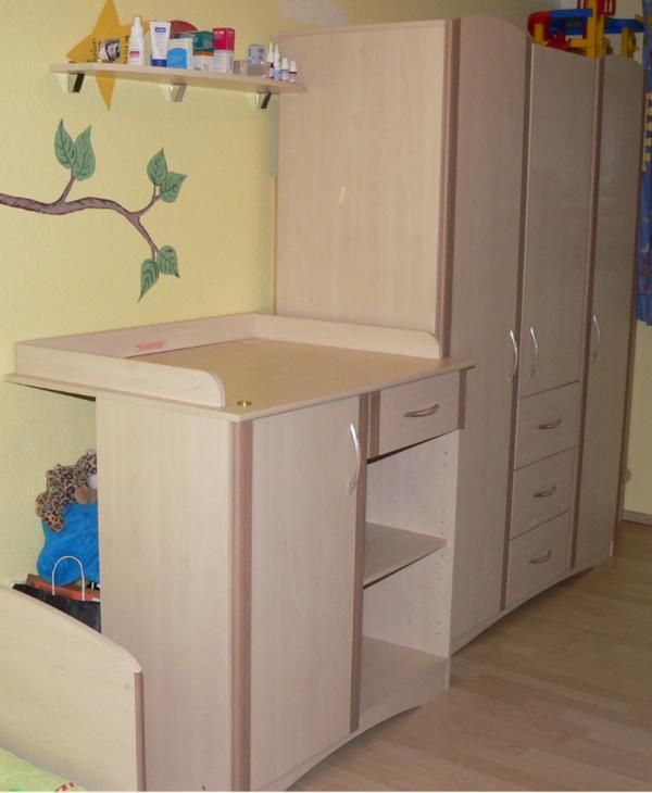 Babyzimmer thea baby bett wickelkommode und for Jugendzimmer zu verschenken