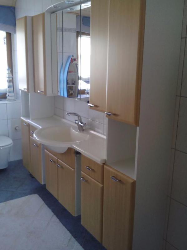 Badezimmerausstattung  Badezimmerausstattung ~ Kreative Ideen für Ihr Zuhause-Design