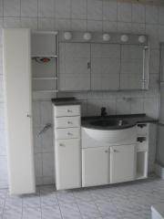 badezimmerschrank waschbecken haushalt m bel gebraucht und neu. Black Bedroom Furniture Sets. Home Design Ideas