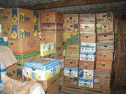 Bananenkisten voller Flohmarktartikel