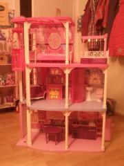 barbie haus mit fahrstuhl kinder baby spielzeug g nstige angebote finden. Black Bedroom Furniture Sets. Home Design Ideas