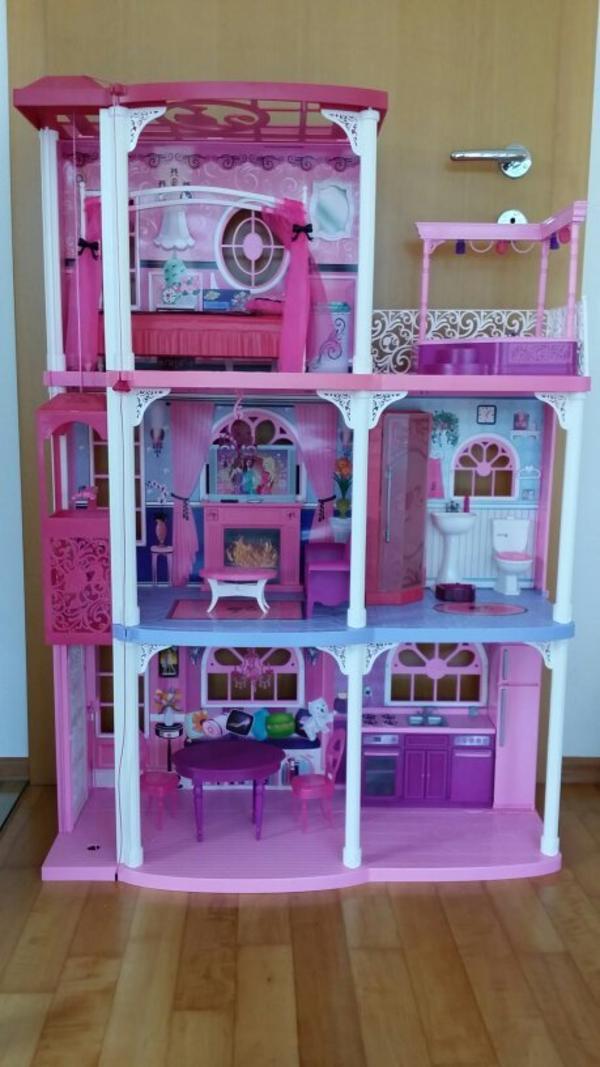 barbie haus traumvilla sonstiges kinderspielzeug. Black Bedroom Furniture Sets. Home Design Ideas