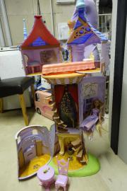 Barbie Rapunzelturm - Original Disney mit Zubehör und Barbie Puppe Original Barbie Mattel Rapunzelturm - serh gut erhalten und voll funktionsfähig; mit Original-Zubehör; inkl. Original Barbie Puppe Rapunzel; auch ... 50,- D-64283Darmstadt Innenstadt Heute - Barbie Rapunzelturm - Original Disney mit Zubehör und Barbie Puppe Original Barbie Mattel Rapunzelturm - serh gut erhalten und voll funktionsfähig; mit Original-Zubehör; inkl. Original Barbie Puppe Rapunzel; auch
