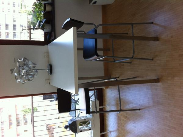 bartisch und barhocker von ikea in frankfurt. Black Bedroom Furniture Sets. Home Design Ideas