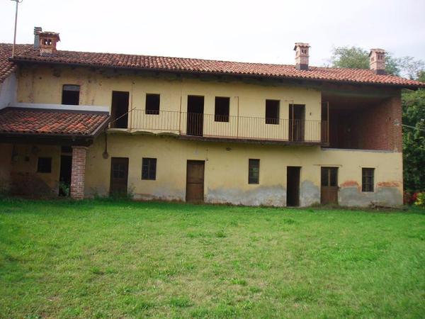 Bauernhaus in italien piemont in freiburg for Ferienimmobilien italien