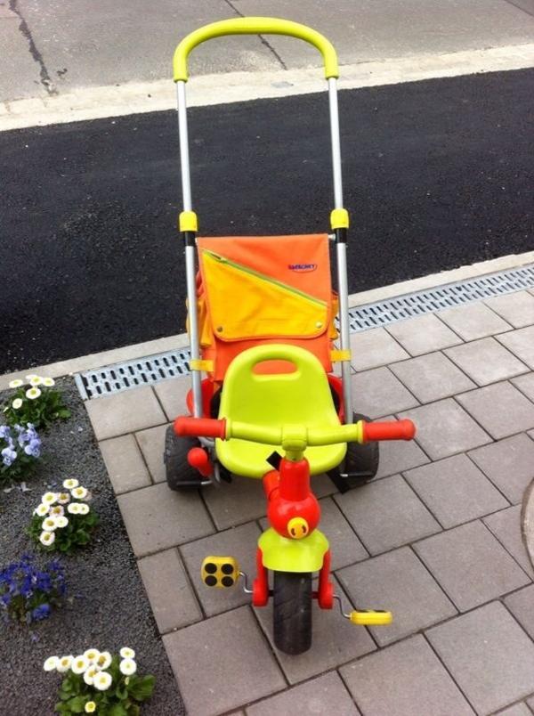 kinderfahrzeuge berchet dreirad orange gr n mit rucksack. Black Bedroom Furniture Sets. Home Design Ideas