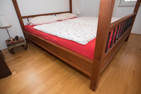 bett aus kirschholz kirschbaumholz v schreiner tischler massiv in valley betten kaufen und. Black Bedroom Furniture Sets. Home Design Ideas