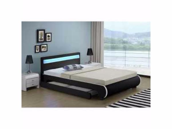 bett mit matratze komplett neu in erlangen betten kaufen und verkaufen ber private. Black Bedroom Furniture Sets. Home Design Ideas