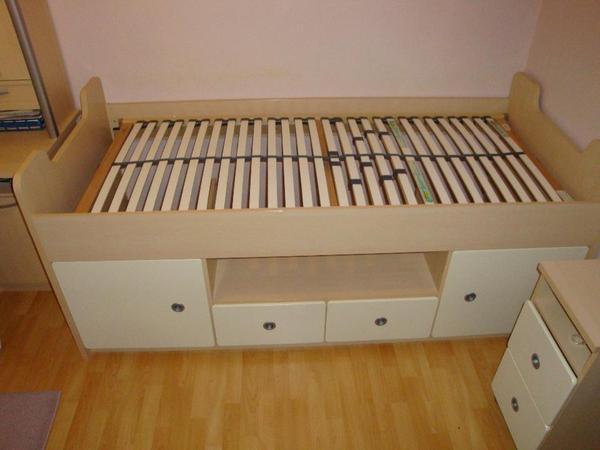 bett verschenke neu und gebraucht kaufen bei. Black Bedroom Furniture Sets. Home Design Ideas
