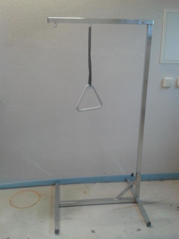 bettgalgen freistehend aufrichthilfe mit triangelgriff. Black Bedroom Furniture Sets. Home Design Ideas