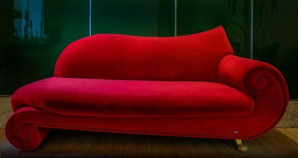 bretz gaudi recamiere rot cult sofa in berlin. Black Bedroom Furniture Sets. Home Design Ideas