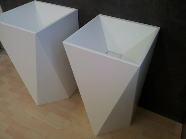 Corian design s ulenwaschtisch standwaschbecken for Badezimmer corian