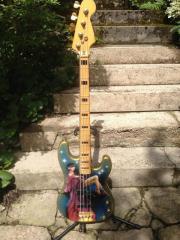 Custom F-Bass