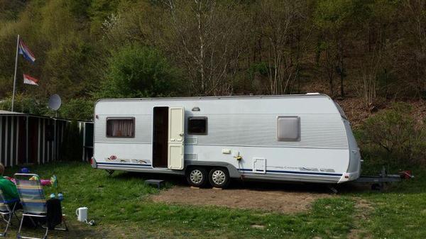 dethleffs camper 700 wohnwagen. Black Bedroom Furniture Sets. Home Design Ideas
