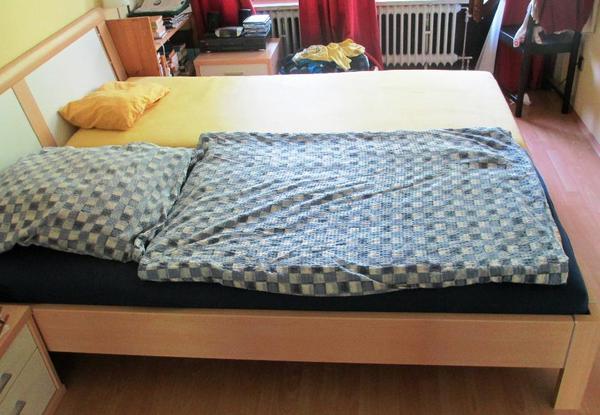 doppelbett inkl lattenroste in m nchen betten kaufen und verkaufen ber private kleinanzeigen. Black Bedroom Furniture Sets. Home Design Ideas