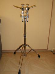 Double Tom Stand-