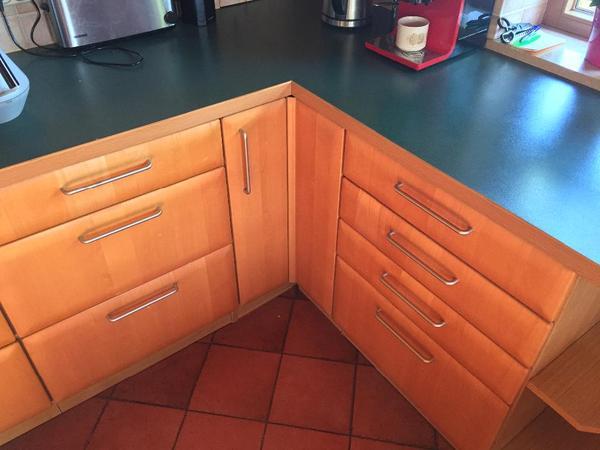 verkaufe eine alno k che mit echtholzfronten incl arbeitsplatte verchromte runde griffe 1. Black Bedroom Furniture Sets. Home Design Ideas