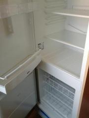 Einbaukühlschrank ohne Schrank.