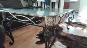 Eisentisch mit Glasplatte