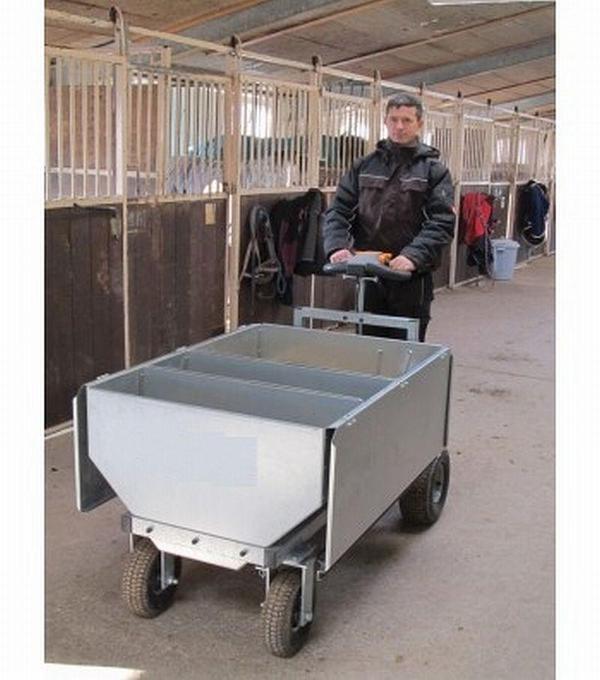 elektrischer futterwagen erleichtert das f ttern ab eur in neum nster pferde. Black Bedroom Furniture Sets. Home Design Ideas