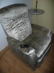 elektrischer sessel mit aufstehhilfe haushalt m bel. Black Bedroom Furniture Sets. Home Design Ideas