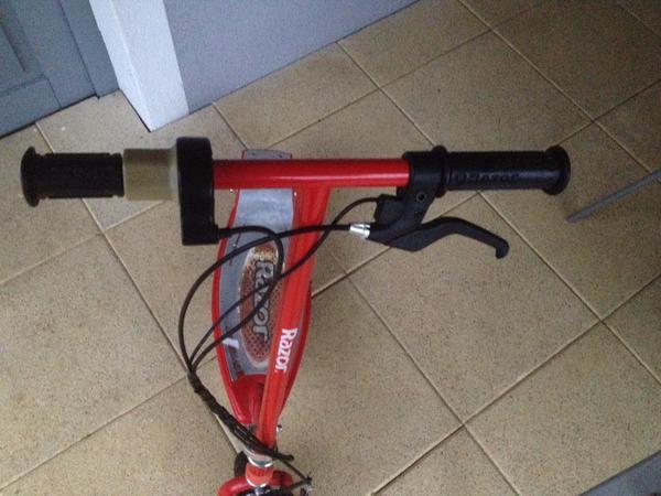 elektro scooter razor in koblach kinderfahrzeuge kaufen. Black Bedroom Furniture Sets. Home Design Ideas