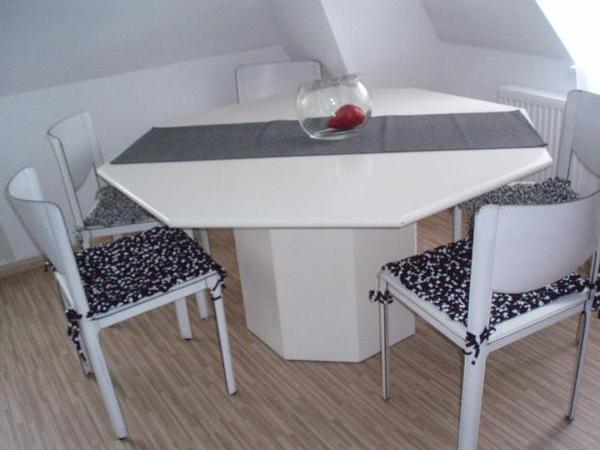 esstisch 8 eckig 150x150 mit zus tzlicher einlegeplatte in. Black Bedroom Furniture Sets. Home Design Ideas