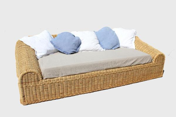 Exclusive wundersch ne rattancouch sofa aus naturrattan for Sessel quietscht