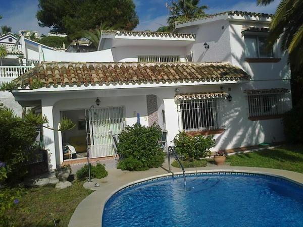 freistehendes ferienhaus mit pool und garten in spanien costa del sol in essen ferienh user. Black Bedroom Furniture Sets. Home Design Ideas