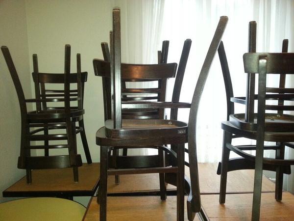 gastronomie bistro tische und st hle in berlin gastronomie ladeneinrichtung kaufen und. Black Bedroom Furniture Sets. Home Design Ideas