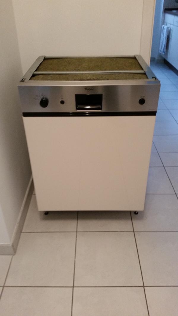 Gebrauchte einbau geschirrspühlmaschine marke whirlpool