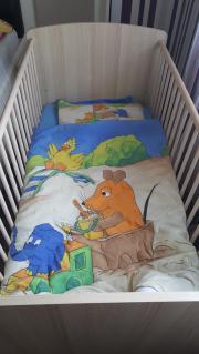 Gitterbett mit Matratze