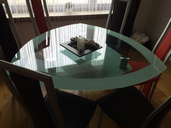 glastisch dreieckig mit doppelter glasplatte und 6 st hlen sehr guter zustand in bellheim. Black Bedroom Furniture Sets. Home Design Ideas