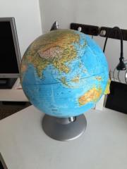Globus beleuchtet 30