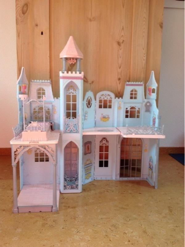 gro es barbie schloss m rchenschloss in r thenbach. Black Bedroom Furniture Sets. Home Design Ideas